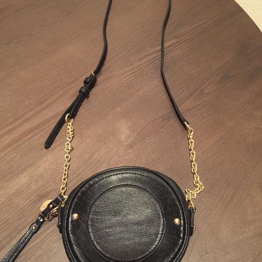 Juicy Couture Canteen Leather Gold Hardware Cross Body Bag Image 1