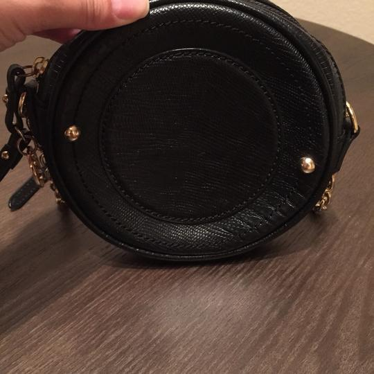 Juicy Couture Canteen Leather Gold Hardware Cross Body Bag Image 2