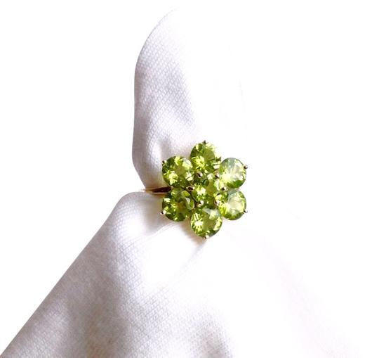 Preload https://img-static.tradesy.com/item/22004802/green-peridot-ring-0-8-540-540.jpg