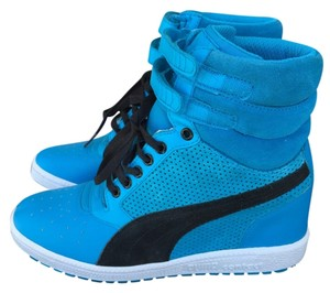 PUMA Blue & Black Athletic