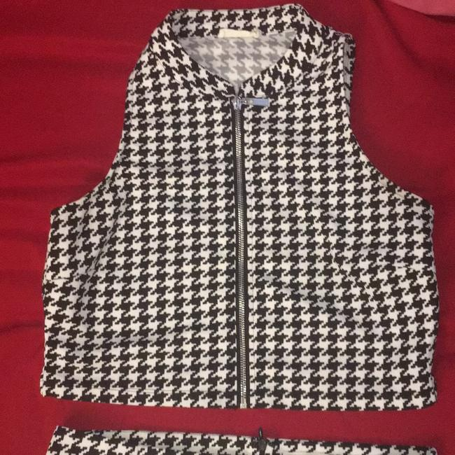 Miss Love Black and White Two Piece Vest Skirt Suit Size 12 (L) Miss Love Black and White Two Piece Vest Skirt Suit Size 12 (L) Image 1