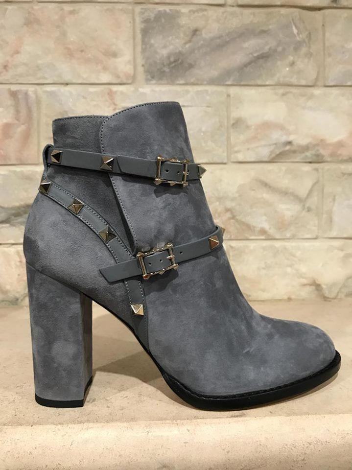 f8372a4d57202 Valentino Grey Rockstud Stone Suede Ankle City Block Heel Boots ...