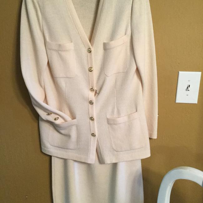 Item - Winter White Skirt Suit Size 8 (M)