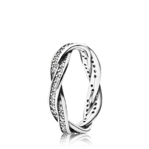 PANDORA Twist of Fate Pandora Ring in size 5- NEW