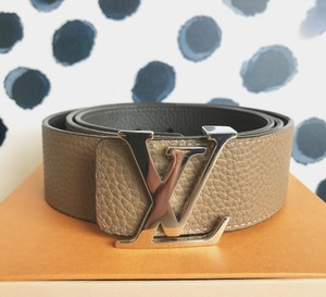 Louis Vuitton Louis Vuitton Beige Leather Reversible Initials Belt