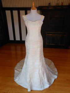 Anne Barge Pearl/Ivory Silk Sample Destination Wedding Dress Size 8 (M)