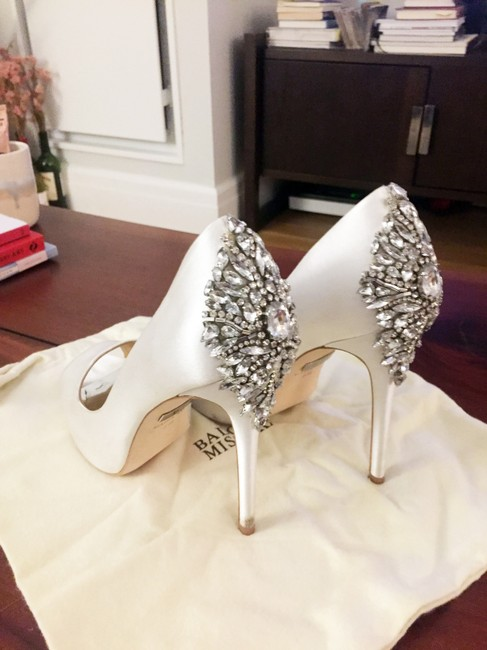 Item - White Kiara Embellished Peep-toe Evening Pumps Size US 8 Regular (M, B)