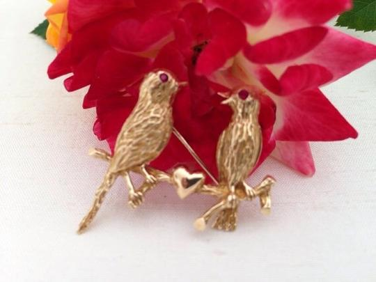 Vintage 14k Gold Lovebirds Pin / Brooch. Vintage 14k Love Birds Heart Brooch With Ruby Eyes. Image 1
