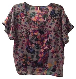 Willow & Clay Top grey floral