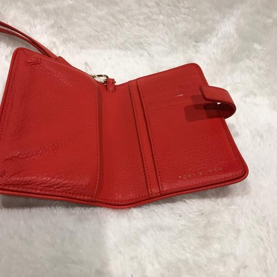 Tory Burch Wristlet in poppy red