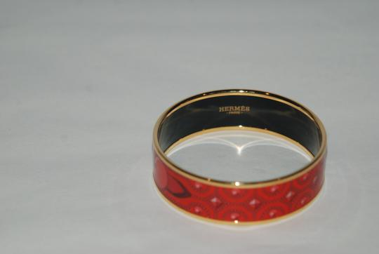 Hermès HERMES NWOB ENAMEL WIDE PRINTED RED COLLIERS DE CHIENS BANGLE SZ 62