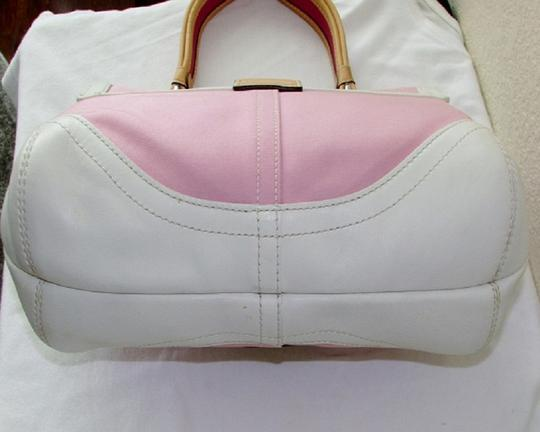 Coach Excellent Condition Satchel in SV/Pink/White