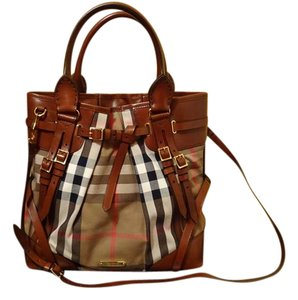 139b9a34607 Added to Shopping Bag. Burberry Tote in brown. Burberry Bridle House Check  Large Whipstitch ...