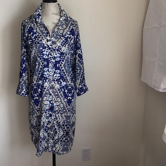 Preload https://img-static.tradesy.com/item/22018795/cabi-bluesand-print-button-front-shirtwaist-short-workoffice-dress-size-10-m-0-2-650-650.jpg