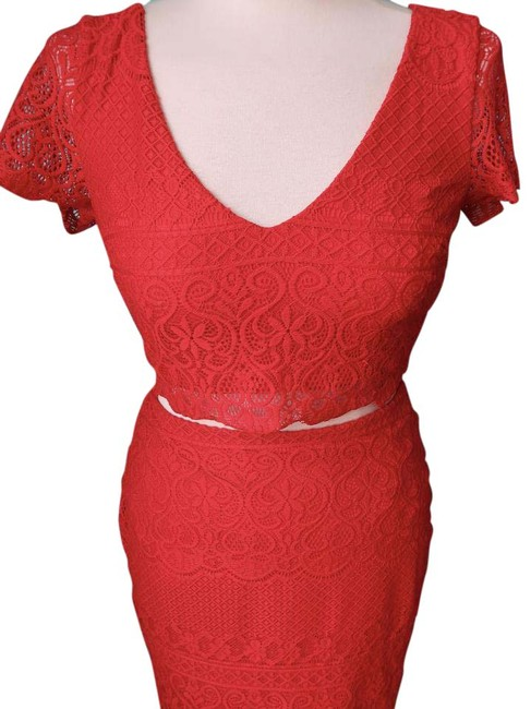 Preload https://img-static.tradesy.com/item/22018947/bebe-red-scalloped-two-piece-cocktail-dress-size-4-s-0-1-650-650.jpg