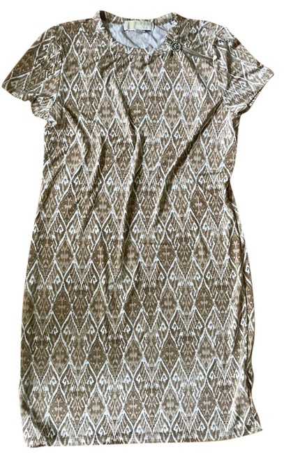 Preload https://img-static.tradesy.com/item/22019293/michael-kors-tan-and-white-print-graphic-sheath-short-casual-dress-size-8-m-0-1-650-650.jpg