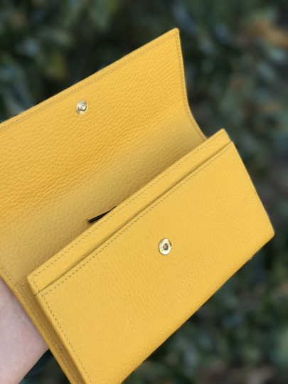 Gucci New Gucci Yellow Swing Leather Continental Wallet w/Trademark