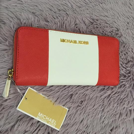 Michael Kors Jet Set Center Stripe Zip Continental Watermelon Luggage White Saffiano Leather Travel