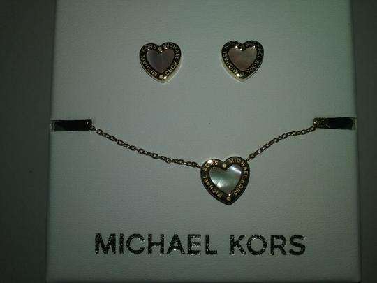 Preload https://img-static.tradesy.com/item/2202019/michael-kors-three-piece-set-mother-of-pearl-necklace-earrings-set-and-heart-bracelet-0-2-540-540.jpg