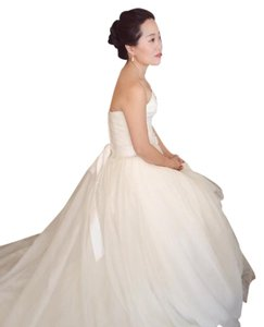 Vera Wang Ivory Textured Organza 351178 Feminine Wedding Dress Size 2 XS