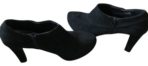 """Me Too Suede Leather Uppers Side Zipper Close 4"""" Heel Black Boots"""