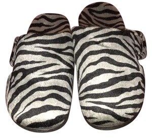Vionic black and silver tiger stripes Mules