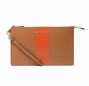 Michael Kors 35t5gaym3c Mercer Travel Pouch Wristlet in acorn orange