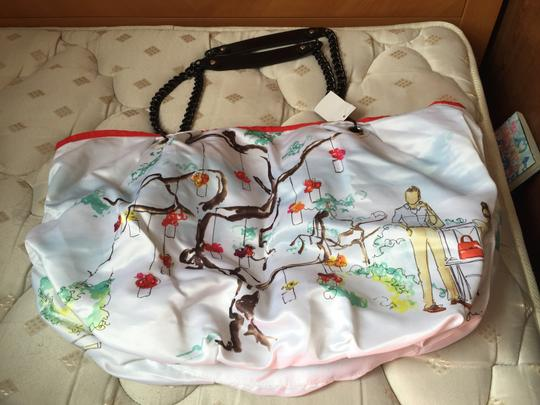 Other Tote in White and REd
