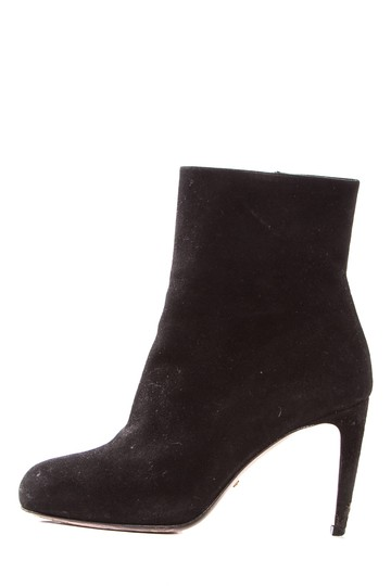 Preload https://img-static.tradesy.com/item/22028546/gucci-black-suede-round-toe-ankle-bootsbooties-size-eu-355-approx-us-55-regular-m-b-0-1-540-540.jpg