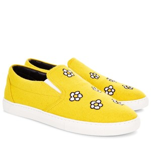 Mira Mikati Daisy Fall Sunny Happy Bright Yellow Flats
