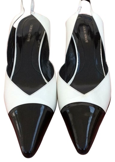 Preload https://img-static.tradesy.com/item/22028965/giorgio-armani-sandals-in-excellent-condition-formal-shoes-size-us-regular-m-b-0-1-540-540.jpg
