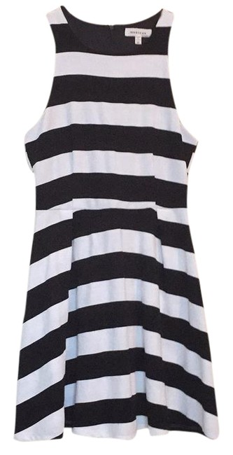 Preload https://img-static.tradesy.com/item/22029136/monteau-los-angeles-black-and-white-striped-short-night-out-dress-size-8-m-0-1-650-650.jpg