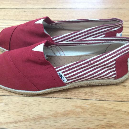 Tom's red Flats