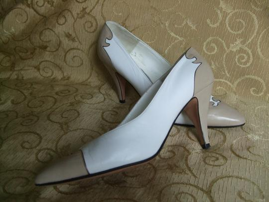 Bally Leather Vintage White with Beige Pumps