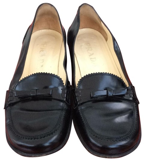 Preload https://img-static.tradesy.com/item/22030009/prada-loafers-with-a-bow-in-front-black-leather-flats-size-us-6-regular-m-b-0-1-540-540.jpg