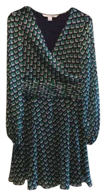 Preload https://img-static.tradesy.com/item/22030564/diane-von-furstenberg-green-ashlynn-short-workoffice-dress-size-2-xs-0-1-650-650.jpg