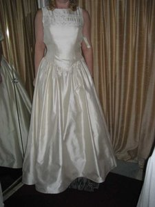 1353 Wedding Dress