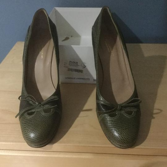 Paolo olive green Pumps