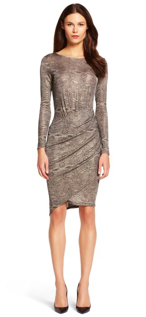 Item - Gold Long Sleeve Printed Scoop Neck Mid-length Cocktail Dress Size 8 (M)