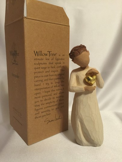 "Susan Lordin ""Heart of Gold"" Figurine; Artist Susan Lordin's Willow Tree Collection for DEMDACO [ Roxanne Anjou Closet ]"