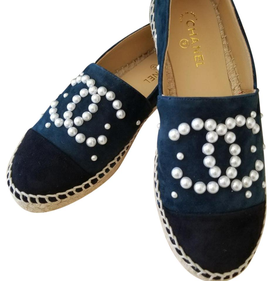9a7b471d9 Chanel Navy/Black Suede Pearl Espadrilles Flats Size EU 39 (Approx ...