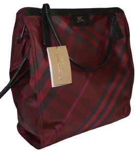Burberry Check Overnight Packable Tote in Burgundy