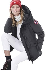 Canada Goose 625 Fill-power Down Water Resistant Made Two Interior Pockets Interior Drawcord Fur Coat