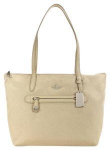Coach Tote in Putty / Taupe