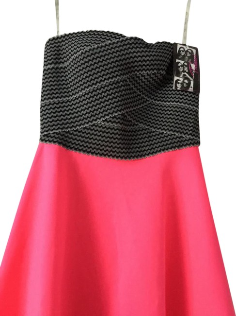 Preload https://img-static.tradesy.com/item/22048503/trixxi-fluor-pink-black-formal-dress-size-10-m-0-1-650-650.jpg