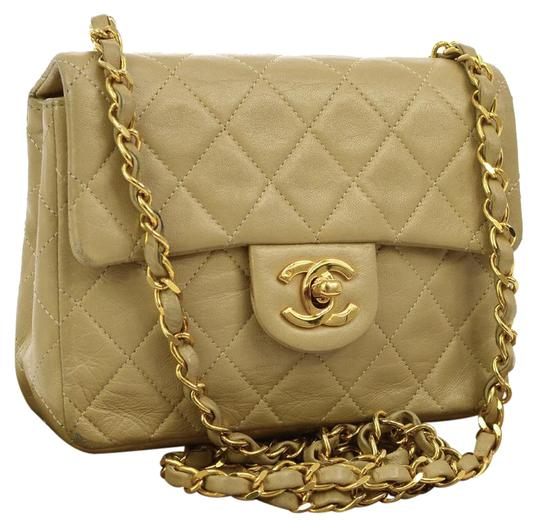 Preload https://img-static.tradesy.com/item/22049599/chanel-classic-flap-quilted-classic-single-white-lambskin-leather-cross-body-bag-0-2-540-540.jpg