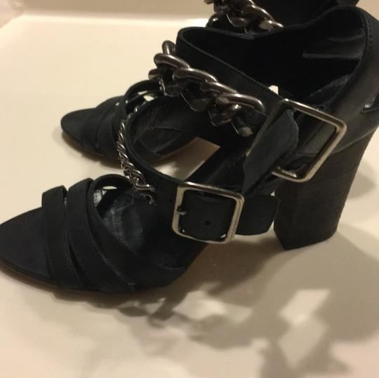 Colonial Madness black Pumps Image 10