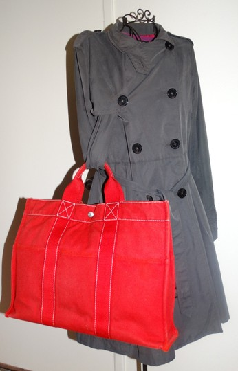 Hermès Vintage Canvas Deauville Tote in Red Image 1