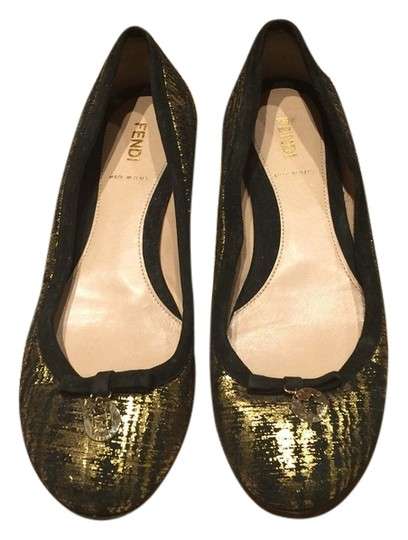 Preload https://img-static.tradesy.com/item/2204978/fendi-black-gold-flats-wedges-size-us-75-regular-m-b-0-0-540-540.jpg