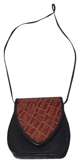 Preload https://item2.tradesy.com/images/black-and-brown-leather-cross-body-bag-2205026-0-0.jpg?width=440&height=440